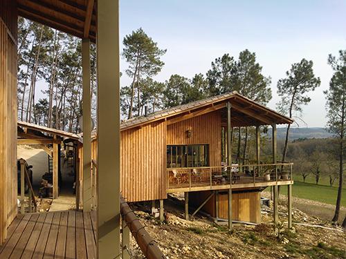 Maison Bois écologique - Habiter la pente